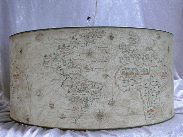 Cilindro con carta geografica