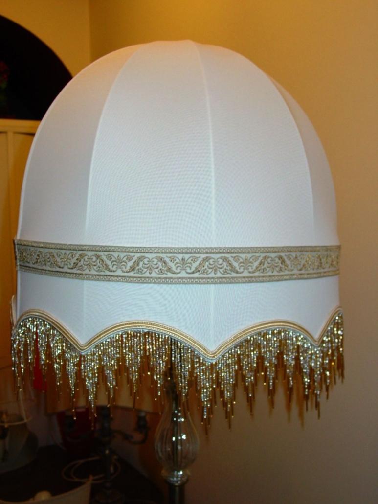 Cupola allungata con frangia in vetro