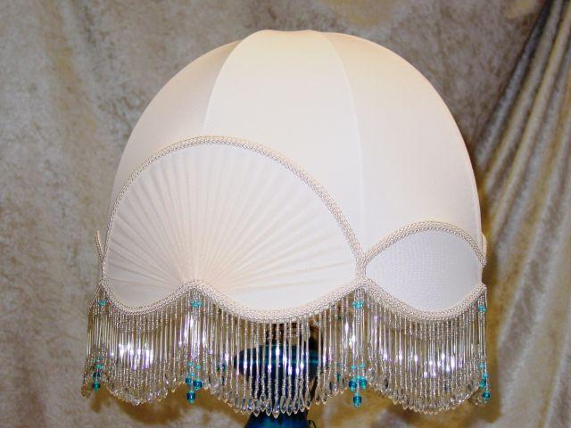 Cupola con inserti a pieghe e frangia di vetro