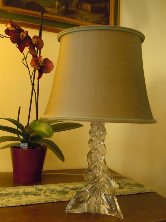 Lampada con paralume ovale