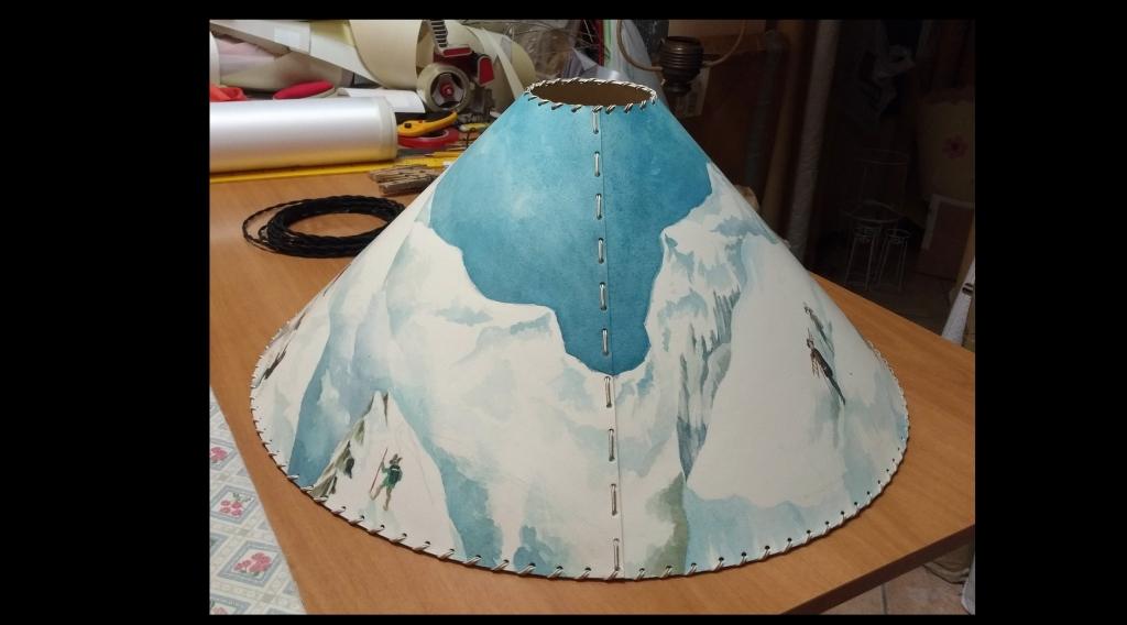 Paralume dipinto a mano soggetto montagna retro