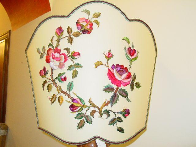 Ventola con applicazione fiori in stoffa