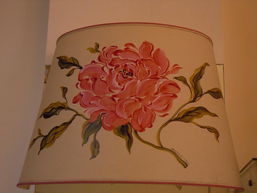Ventola con rosa dipinta a mano