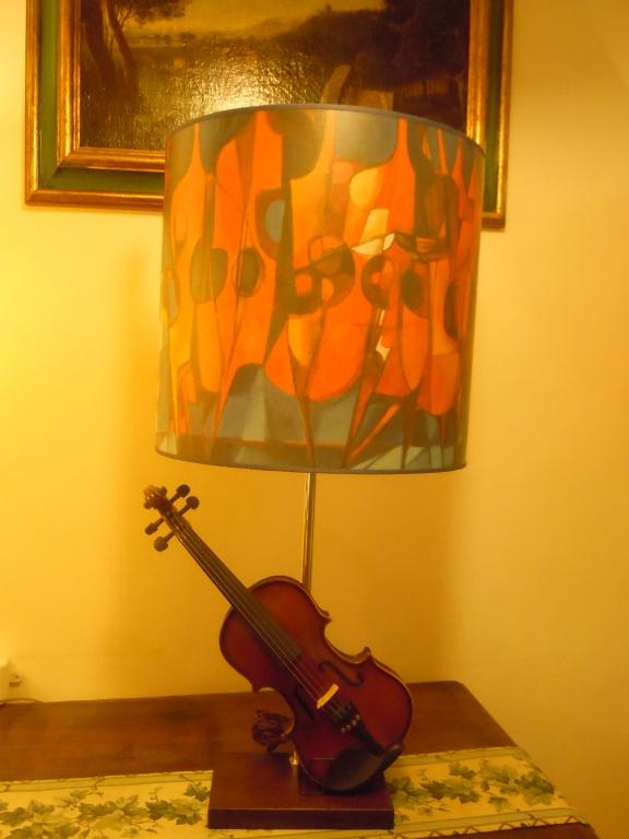 Ventola con violini su base violino