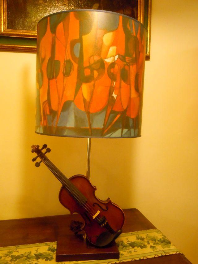 Violino con paralume stampato